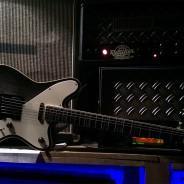 Gitarre für ISAAC VACUUM