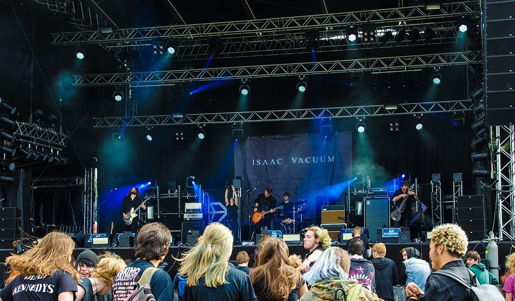 ISAAC VACUUM Olgas Rock Festival